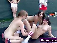 Партийные подростки вылизывает кисками горячих милашек