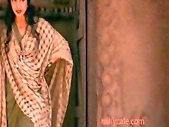 Indira Varma Kama Sutra Brunette Exotische Harige Indische Hot Indira Varma
