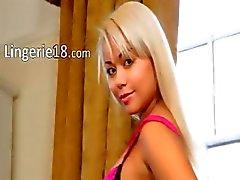 sexy blonde met pinkg slipje