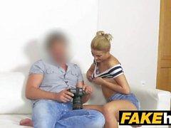 Fake Agent Modello Elegante Skinny Glamour in Fuck Cucito Sweaty Casting