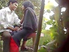 Sexo en el Parque Bangladés atrapado por Hidden Cam