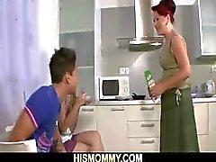 Lesbo hauskaa äiti jakeittiö