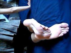 Amateur fotsulor och stora fötter långa tår Visa HD