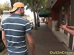 Homosexuell Twink zum Kotzen auf der Städtische Straße Teil 2