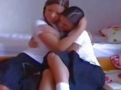 Eve Angel och Peaches är sexiga School Girls
