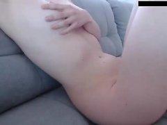 Georgia Jones nuoltaa sormensa sen jälkeen, kun hänet irtoaa