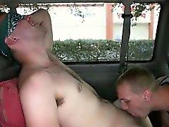 Jugend Homosexuell Gangbangs Herrlicher Tag für Analsex Sex On The Baitbus !