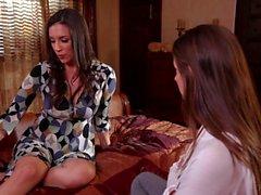 Brunettes Cassidy Klein y Jelena Jensen