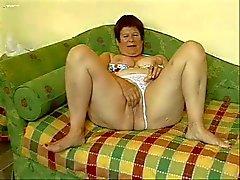 Fat granny masturberen