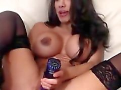 Sweet procace brunette masturbate in webcam