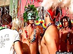 Latino gay barbacka kön