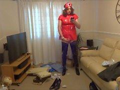 Kırmızı PVC Hemşire Kıyafet ve Parlak Siyah Crotch Boots