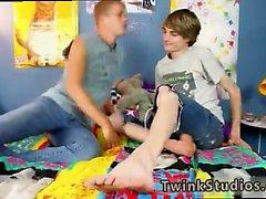 Twink homo seksiä dads 3gp videos ensimmäistä kertaa Kayden Danielsin sekä