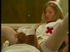 De color ámbar Michaels y el Nikki en Nova Lesbian Nurses