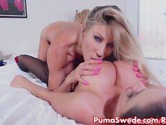 Puma Swede Hämtar Early julafton Present Ariella för Mus !