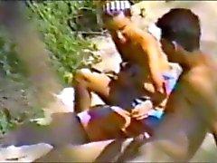 jong stel met seks op het strand deel 1