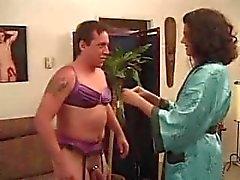 femdom strapon - mies hieromasauva - sitomisen hallitseva - woman