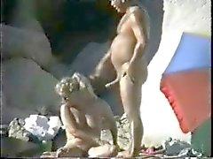 Wat Nudist Koppels doen zijn op het Strand door snahbrandy