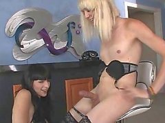 Slutty TS Bailey Jay hooks up with Bee
