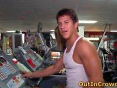 Gay neuken in het openbaar sportschool 6 door outincrowd
