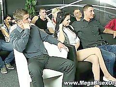 Bisessuali dell'orgia in aula insegna a baciare