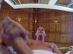 Johnny Sins Jerks Off Выполняя йогу