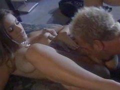 Entzückender Starlet gehänselt und durchgefickt