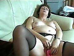 Возбужденный бабка мастурбирует ПОРНО ВИДЕО ФИЛЬМЫ