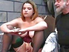 Chubby fêmea foi punido