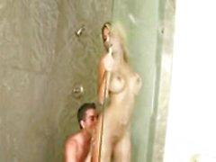 Ashlynn Brooke abgefickt in der Dusche