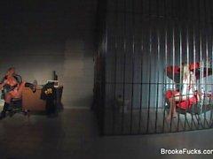 Dubbelt besvära för blont Porr Brooke Baner