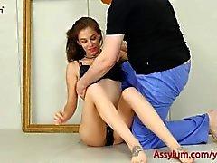Bebé hermoso arte consigue cogida anal áspera y dura una zurra
