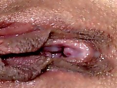 Trattenuta limitata il BDSM sub Squirting