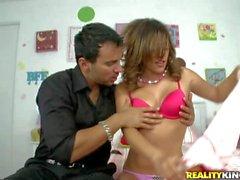 Melanie Rios un putilla dulce con el tetas pequeñas : Pornsharing tubo atractivo
