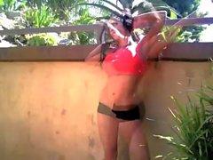 Denise Milani hemen Fitnes - gayri hükümsüz