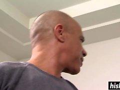 Jynx Maze blir mitt framför näsan på gymmet