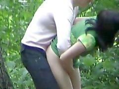 Fidanzato afferrò fottuta nella foresta