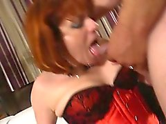 Mature Isabelle loves fist and anal sex