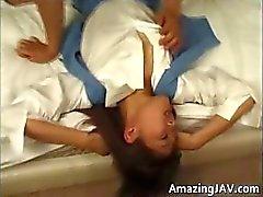 Menina asiática fica bichano lambido e fodido part3