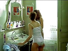 Летиция Каста топлесс данс Le Grand Appartement