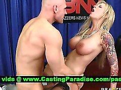 Brooke Banner Busty baise blond dure