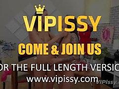 Vipissy - Piss Model behövs - Lesbisk Piss