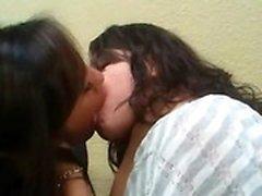 adolescenti amatoriali divertirsi caldo lesbiche