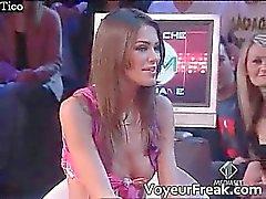 проскальзывания соска от итальянскому телевидению Вуайеристы кулачка part4