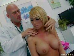 Paciente sexable con el Tetas gordas perfectos de Madiso