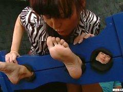 Sandra verehrte Jana Covas Füße