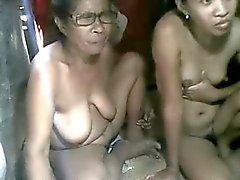 Filippiiniläinen Mummi ja ole HER grandaughter näkyminen CAM