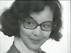 Pinup Club : Janine uit Hilvarenbeek ( Dutch talat ) (1990 ) .