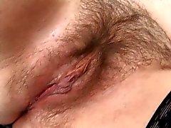 мальчиком ебать волосатые зрелого горничная