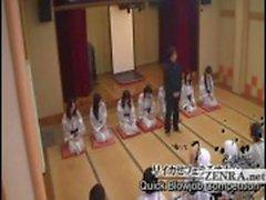 Tekstitetty busty velkaantuneet Japani milfs kylpylässä sukupuolen peli